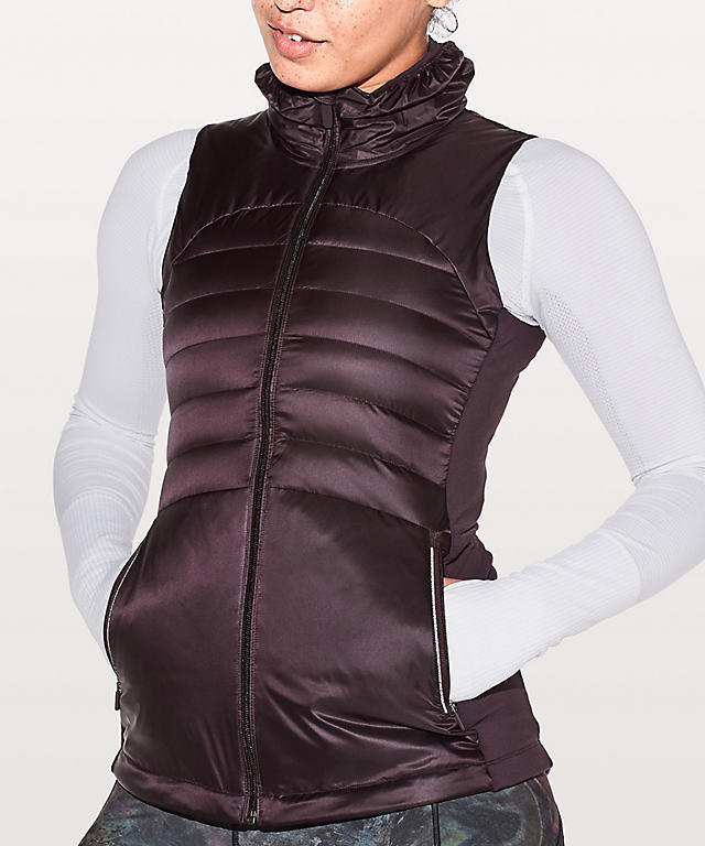 ★新色★lululemon★Down For A Run Vest II★Black Cherry