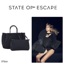 【State of Escape】PETITE GUISE HAND HELD IN BLACKOUT