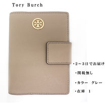 国内 即発可 Tory Burch ROBINSON SNAP PASSPORT HOLDER 45993