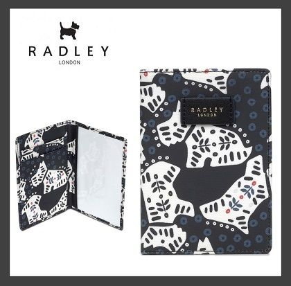 RADLEY FOLK DOG PASSPORT COVER (送料・関税込)