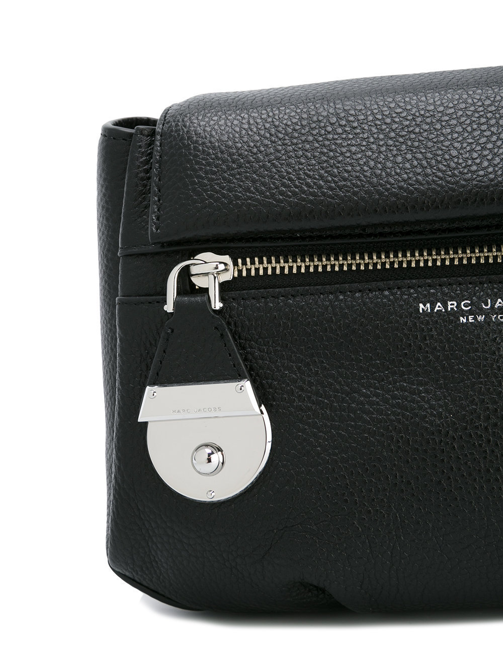 Marc Jacobs  斜めがけバッグ