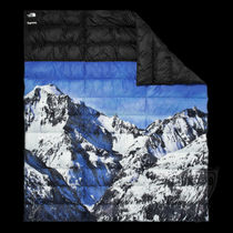 FW17 SUPREME THE NORTH FACE MOUNTAIN NUPSTE BLANKET