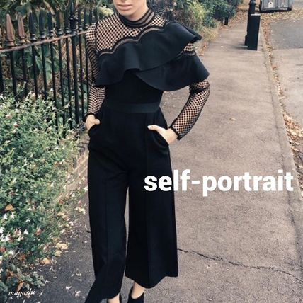 Self Portrai〓別注Cropped ruffled lace crepe jumpsuit