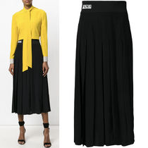 FE1825 LOGO WAISTBAND PLEATED CREPE SKIRT