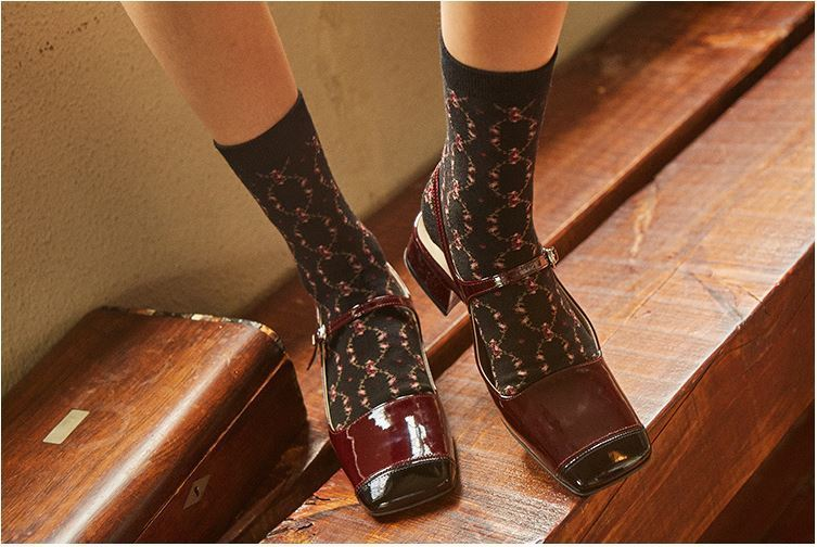 日本未入荷MARGARIN FINGERSのROSE PATTERN SOCKS