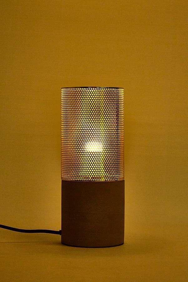 UrbanOutfitters☆Gold Mesh + Wood Table Lamp☆税送込