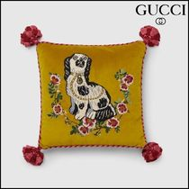 【GUCCI(グッチ)】 cushion with Spaniel dog embroidery