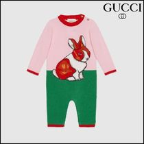 【GUCCI(グッチ)】 Baby wool sleepsuit with rabbit intarsia