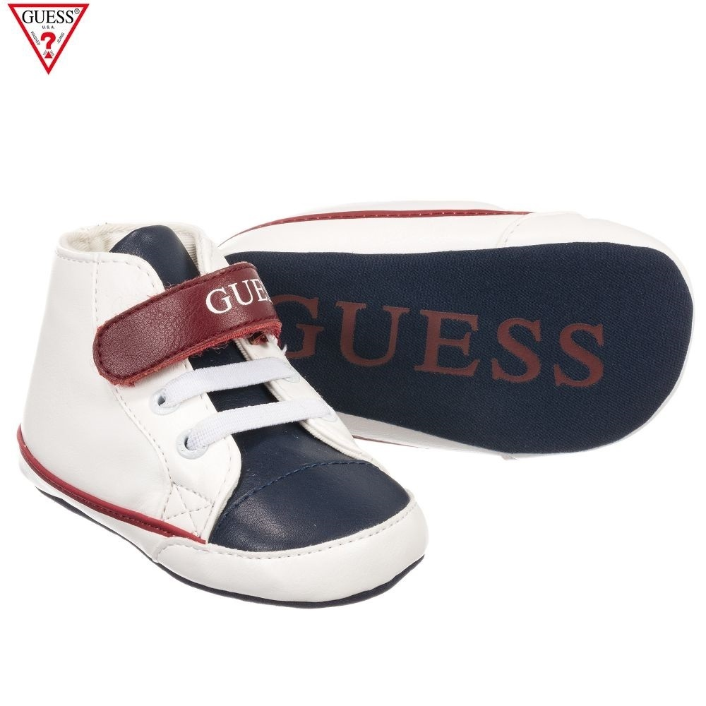 NEW送料・関税込【GUESS】Flynファーストシューズに☆