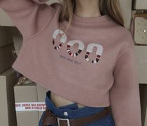 TWICE ナヨン着用 ODD ONE OUT: LOGO EMBROIDER CROP SWEAT