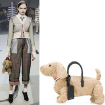 THOM BROWNE(トムブラウン) ハンドバッグ 17-18AW TB042 LOOK28 HECTOR BAG IN ASTRAKHAN FUR
