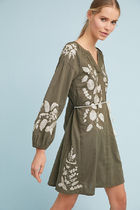 期間限定セール! Anthropologie Embroidered Peasant Dress