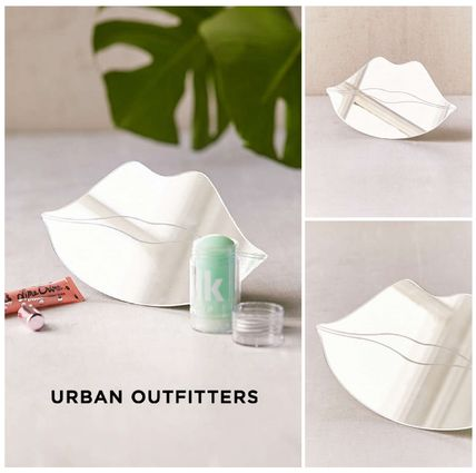 Urban Outfitters 鏡  UrbanOutfitters☆唇テーブルトップミラー☆税送込