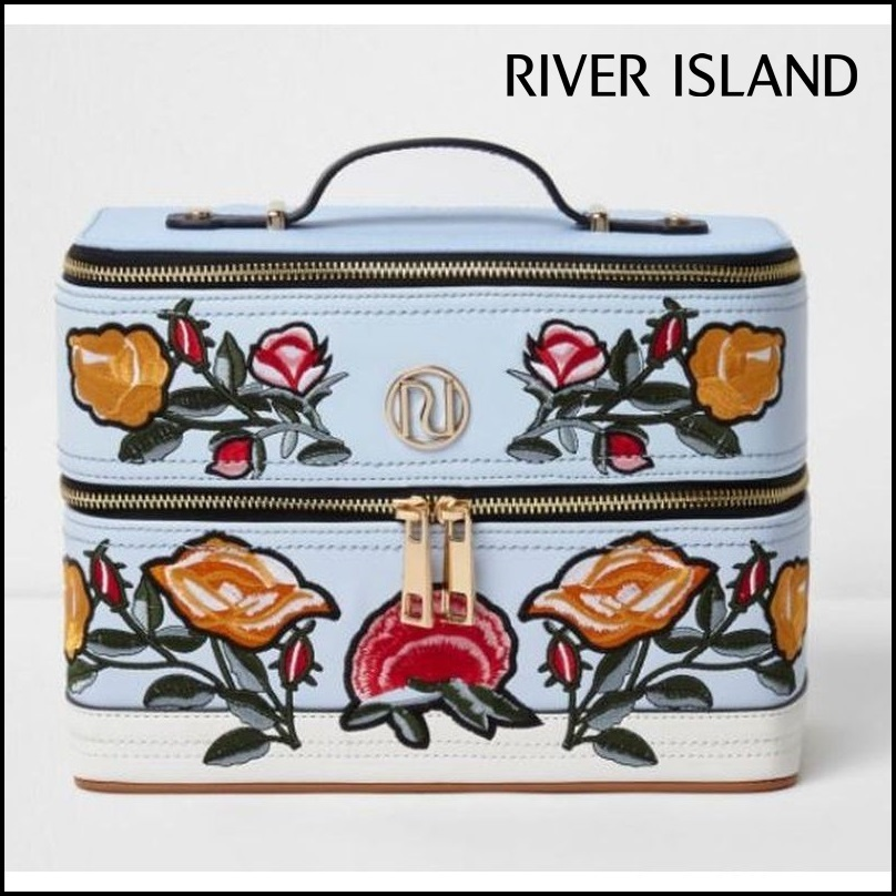 【River Island(リバーアイランド)】floral embroidered case