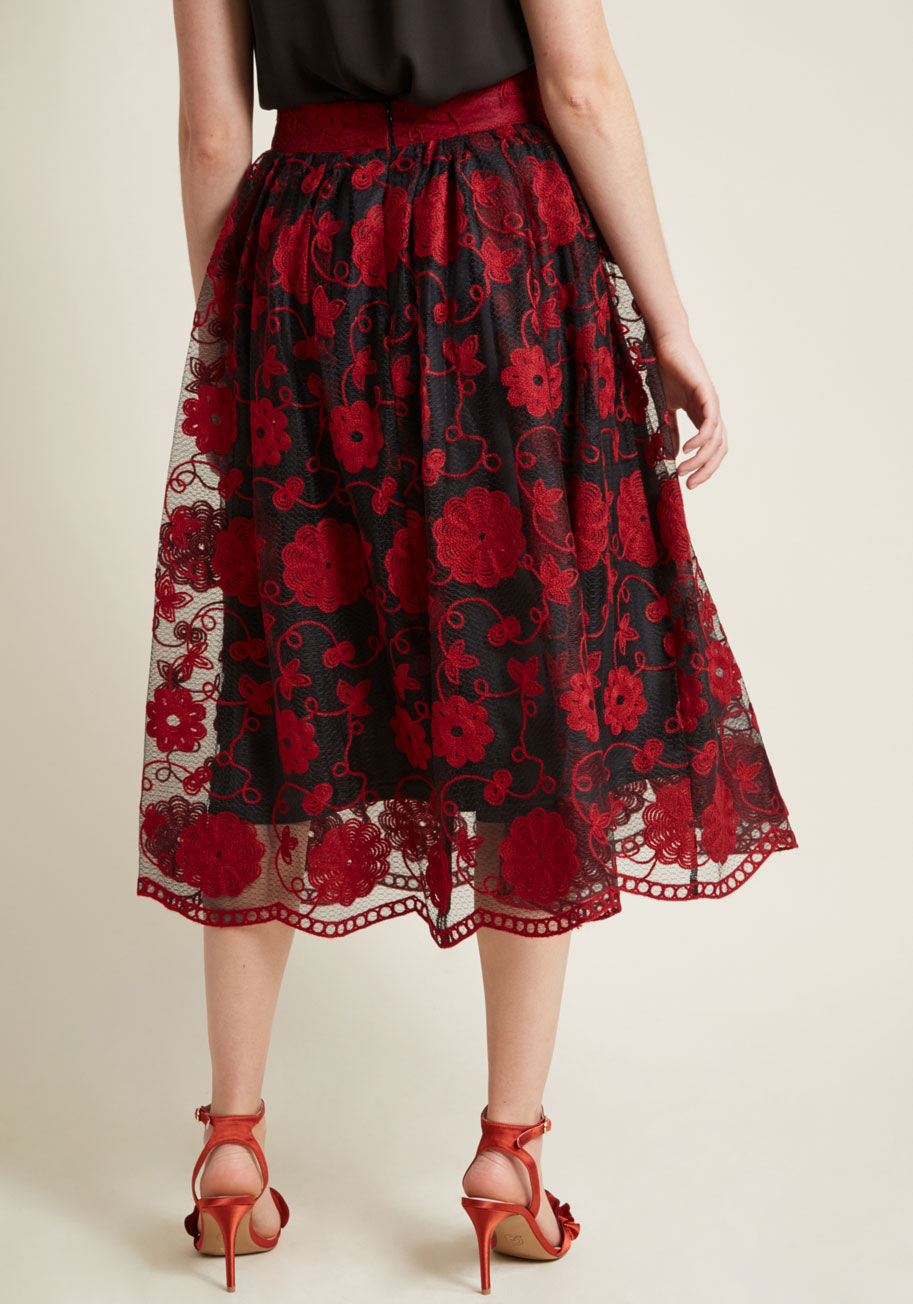 ◎送料込み◎  embracing embroidery floral midi skirt