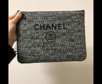 2018も大活躍なのは★CHANEL★DEAUVILLE O case in blk
