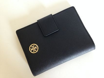 Tory Burch SNAP PASSPORT HOLDER 国内即発送