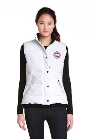 関税送料込 Canada Goose 'Freestyle' Slim Fit Down Vest (O ♪