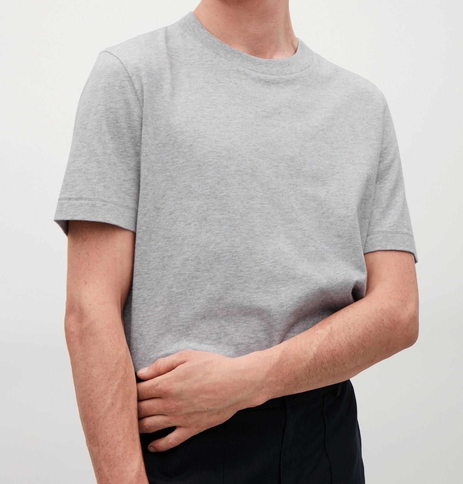 """COS MEN""T-SHIRT WITH RIB NECK LIGHTGRAY"