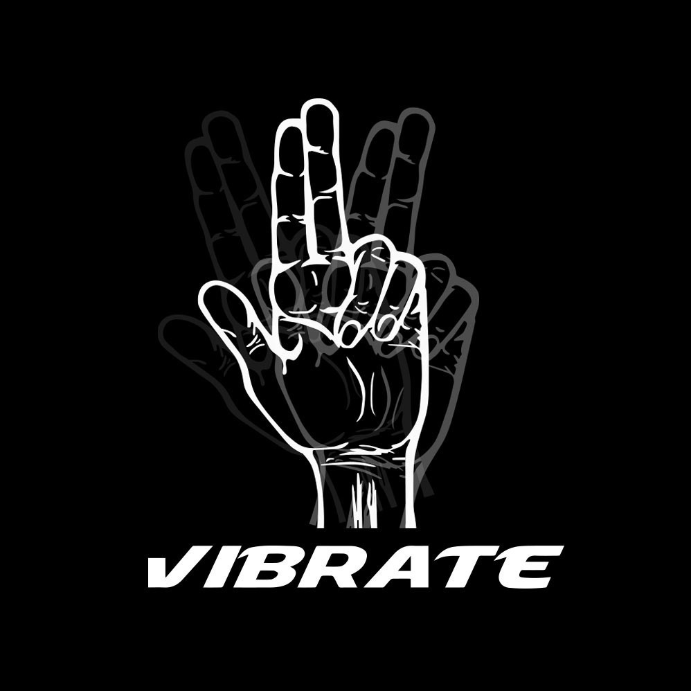 【VIBRATE】LETTERING PATCH ボールキャップ(2 color) - UNISEX