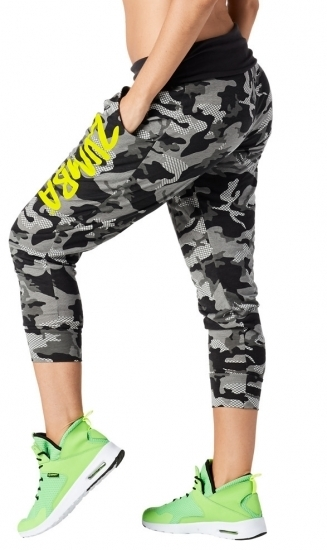 【即納  S】ZUMBA ズンバ  Throwback Camo Cropped Harem Pant