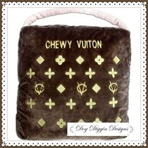 【Dog Diggin Designs】Brown Chewy Vuiton Bedチュウィヴィトン