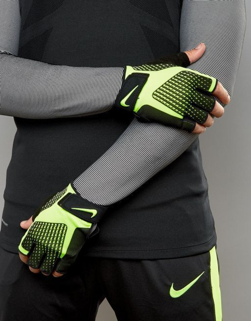 大人気! Nike Training Core Locktraining Gloves 2.0 グローブ