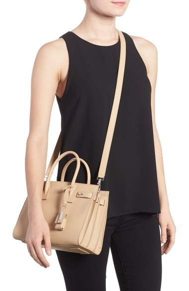 関税送料込 Saint Laurent Baby Sac de Jour Leather Tote ♪