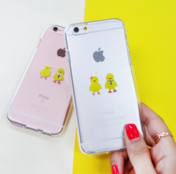 In the couple to marry カップルで結婚するひよこiPhoneケース