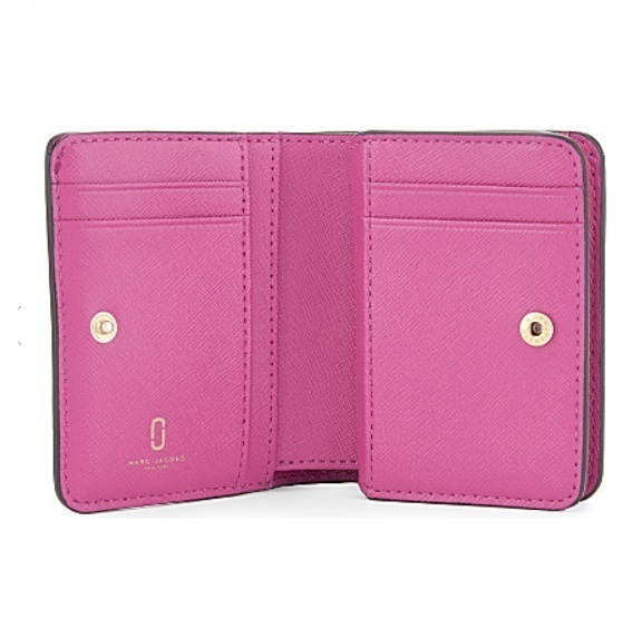 sale【関税送料込み】MARC JACOBS Snapshot ミニ Compact Wallet