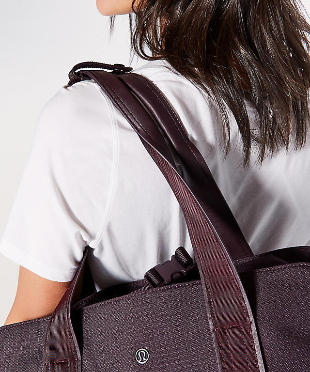 ルルレモン○Go Getter Bag Heatproof Pocket 26L○H B Cherry