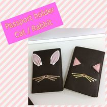 kate spade / Passport holder / cat or rabbit