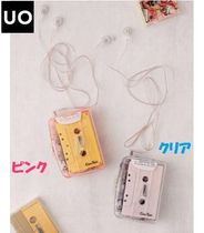 Urban Outfitters クリアカセットプレーヤー