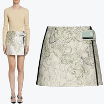 PR981 RABBIT & LILY PRINTED MINI SKIRT WITH RUBBER PATCH