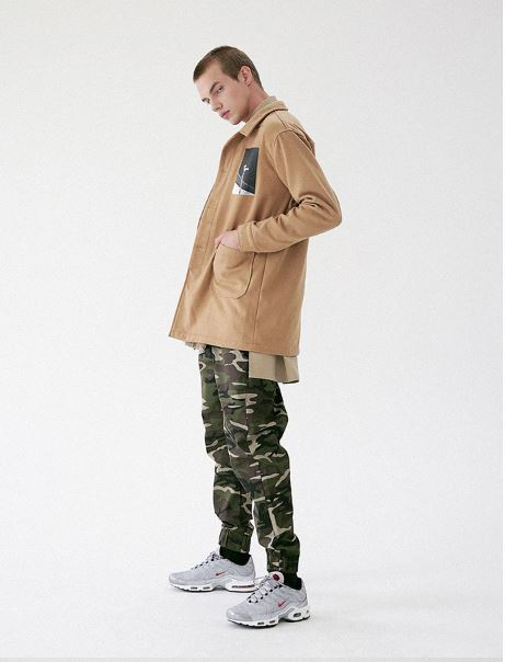 日本未入荷MASSNOUNのCAMO LINE JOGGER PANTS