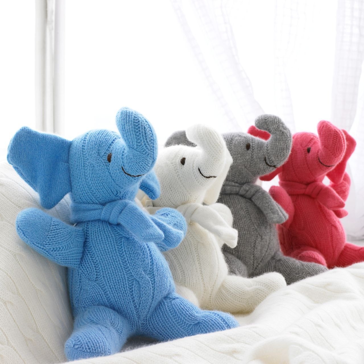 ◎送料込み◎Small Cashmere Elephant