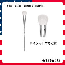 KYLIE COSMETICS☆LARGE SHADER BRUSH☆アイシャドウ  #10