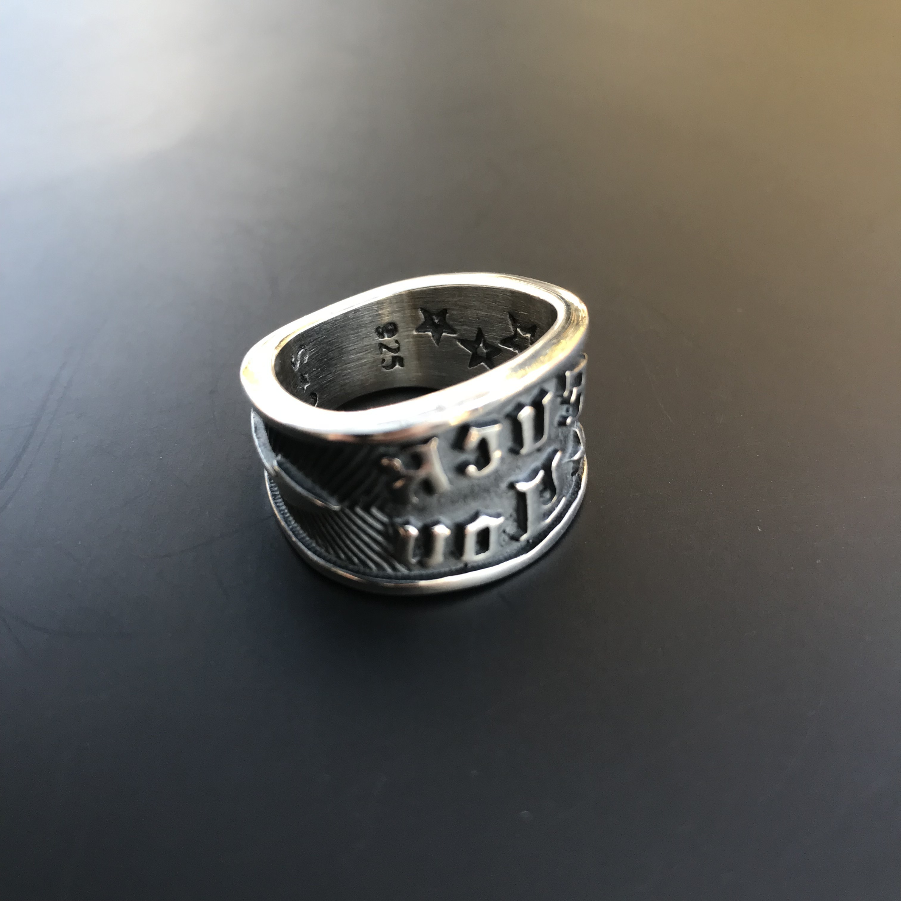 """Ring """"Fuck You"""" Stamp (L 17号)"""