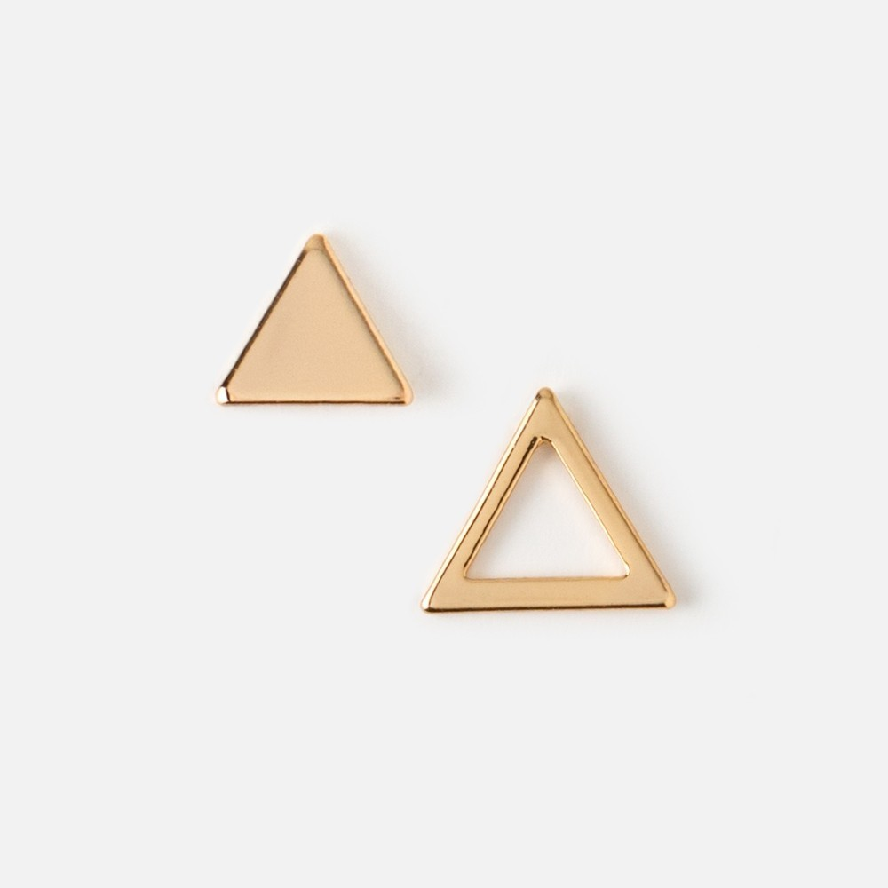 《UK発》重ね付けに最適!小さなCut Out & Solid Triangle Studs