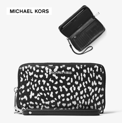 【Michael Kors】セール価格♪Leather Smartphone Wristlet