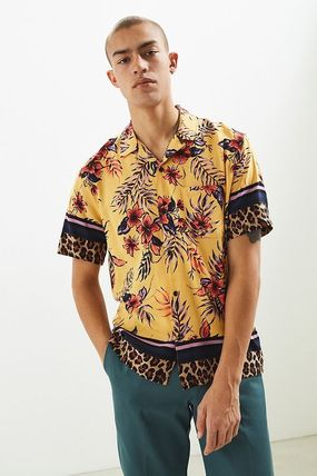Urban Outfitters シャツ URBAN OUTFITTERS フローラルレオパード ボタンダウン シャツ