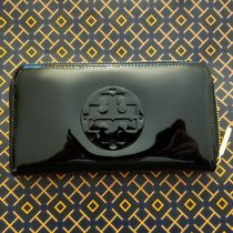 セール!Tory Burch★STACKED PATENT ZIP CONTINENTAL WALLET