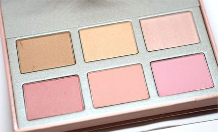 Chantecaille チーク CHANTECAILLE L'Arbre Illumine チーク & ハイライターパレット(4)