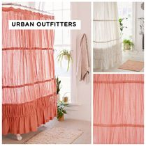 UO 新作☆ Rayna Tiered Ruffle Shower Curtain☆ 税送込