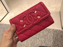 Chanel新作☆キャビア小さめなお財布☆Red