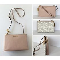 【Michael Kors】お買い得!1点のみ!DOUBLE GUSSET CROSSBODY☆