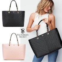 2018 NEW! Pebbled V-Quilt Everything Tote ★ Black