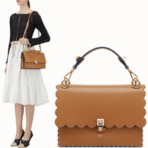 FE1919 KAN I BAG WITH WAVY DETAIL
