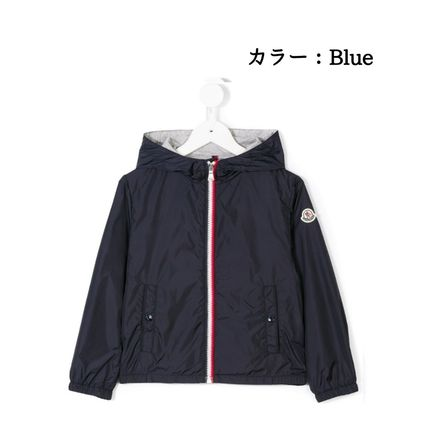 MONCLER キッズアウター 関税・送料込 MONCLER NEW URVILLE フード付 袖ロゴ ジャンパー(3)