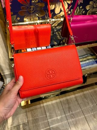 Tory Burch ショルダーバッグ・ポシェット 新作SALE TORY BURCH★BOMBE FLAT WALLET CROSSBODY 46177(16)